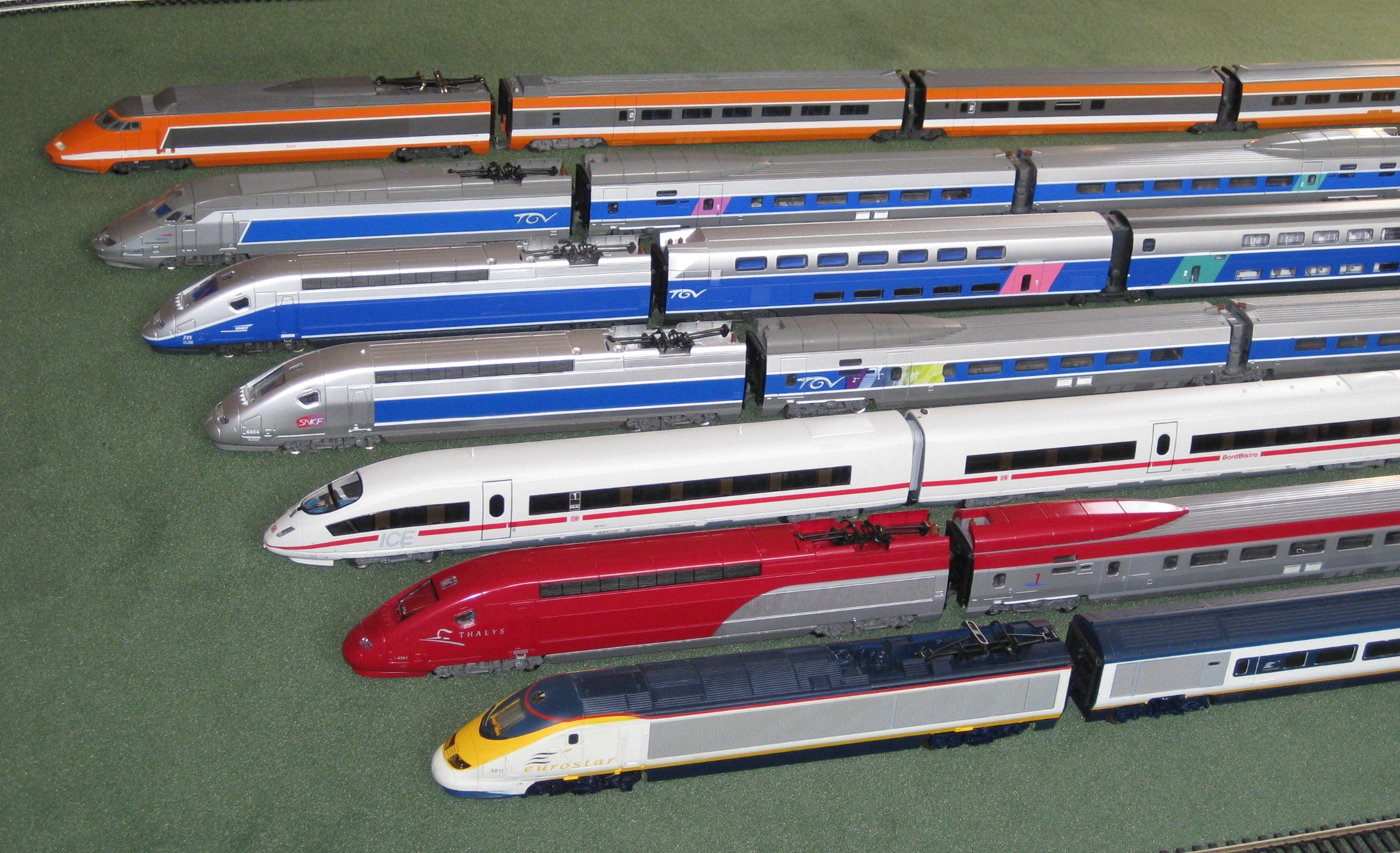 collection de trains grande vitesse les trains. Black Bedroom Furniture Sets. Home Design Ideas